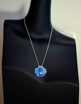 Colgante Concha Santiago Esmalte Azul. Fink-Orfebres